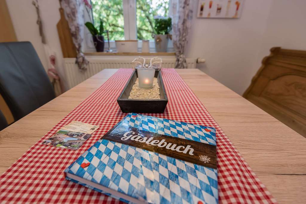Das Gästebuch der Ferienwohnung The Old Farmhouse, welches bei Anreise in der Küche bereitliegt.